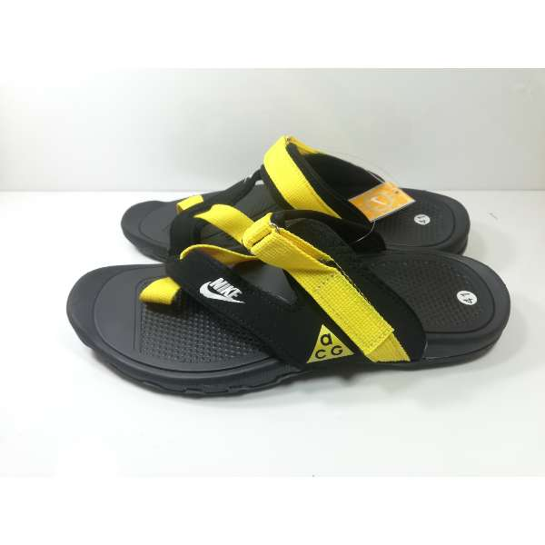 new arrival c11f2 68356 Nike Mens Slippers Black Yellow Sandals